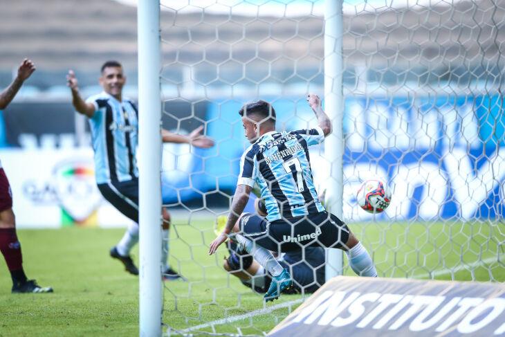 Matheus Henrique marcou o primeiro - Foto-Lucas Uebel-GFBPA