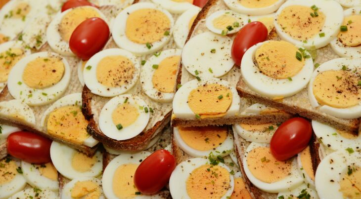 Ovos: fonte de vitaminas A, B, D e E (Foto – Congerdesign-Pixabay)