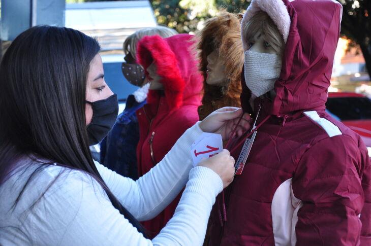 Itens de vestuário são apontados como os preferidos para presentes (Foto: Gerson Lopes/Arquivo ON)