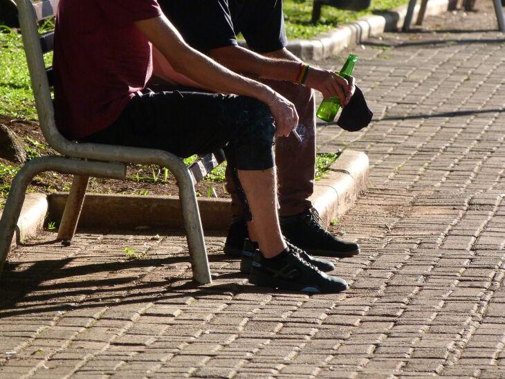 Aglomerações costumam reunir jovens que consomem bebidas alcóolicas no local (Foto: Bruna Scheifler/ON)
