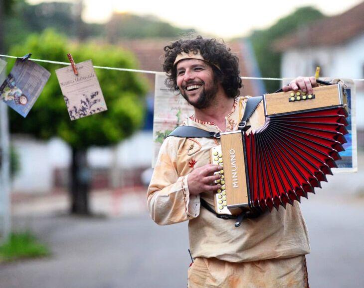 O músico e ator Giancarlo Camargo acompanha a cobertura dada pelo ON à área cultural desde o início da carreira