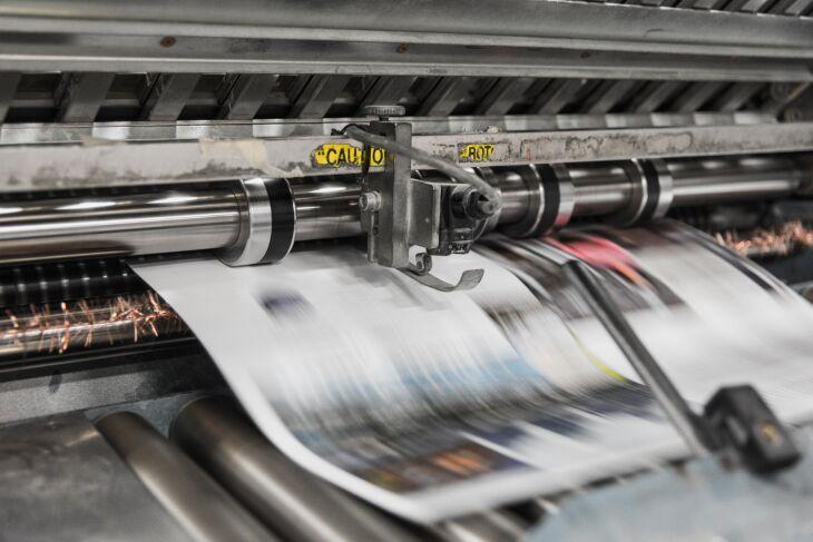 Fonte segura de informação, debate público é ampliado nas páginas dos jornais (Foto: Bank Phrom/Unsplash)