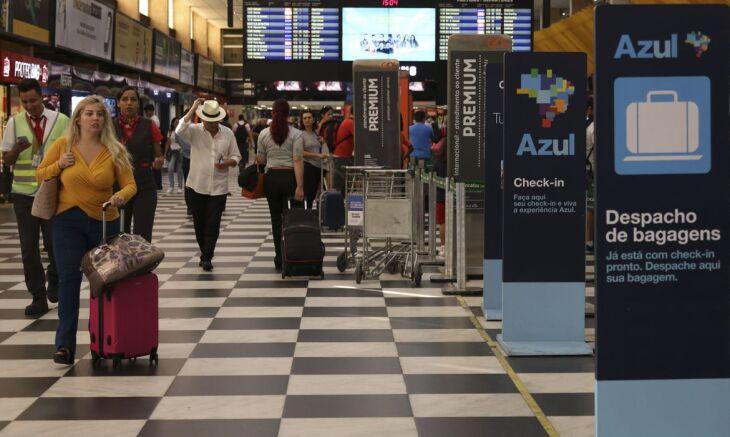 A portaria restringe a entrada de estrangeiros de qualquer nacionalidade (Foto: Rovena Rosa/Agência Brasil)