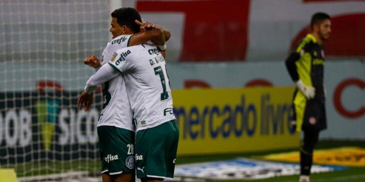 Palmeiras conquista três pontos em Porto Alegre Foto-Maxi Franzoi-AGIF-CBF