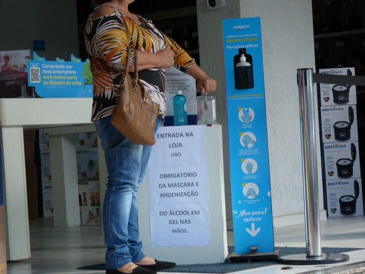 Os estabelecimentos também devem continuar adotando os protocolos sanitários (Foto: Luciano Breitkreitz/Arquivo ON)