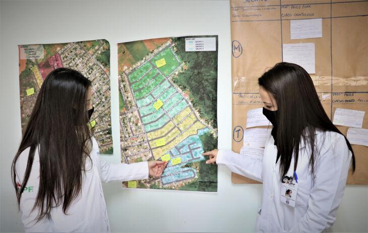 Estudantes da UPF atuam diariamente no acompanhamento de saúde e de questões gerais da vida da comunidade do bairro José Alexandre Zachia ( Fotos: Natália Fávero e Marina Lazaretto)