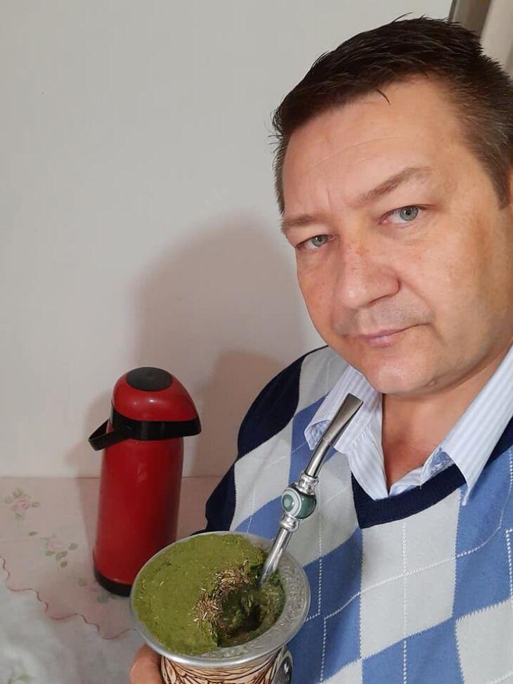 Renato Luis Strieder era membro de um grupo tradicionalista (Foto: Arquivo Pessoal/Facebook)