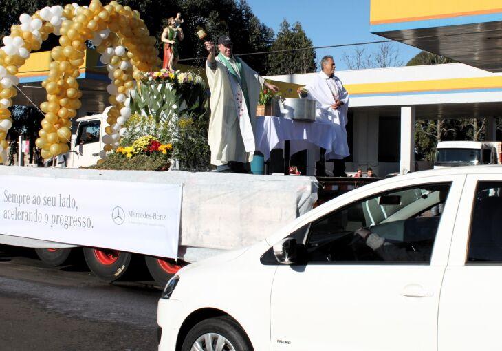 A tradicional procissão também ocorre no domingo (Foto: Arquivo/ON)