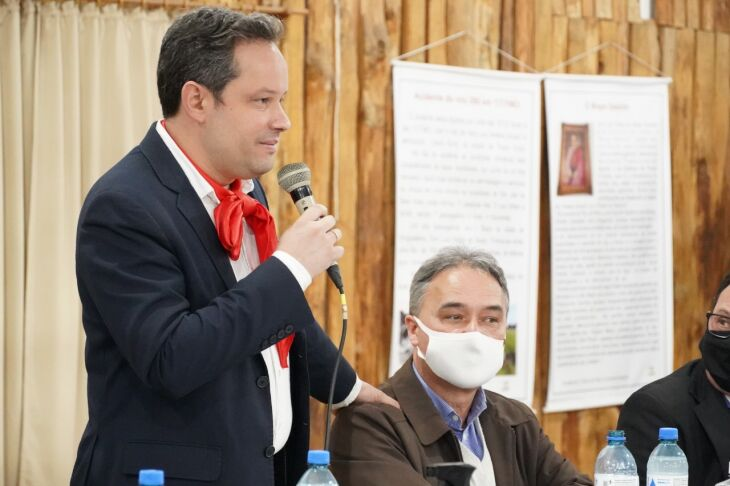 Ações foram anunciadas durante encontro com representantes das entidades (Foto: Michel Sanderi/Divulgação PMPF)