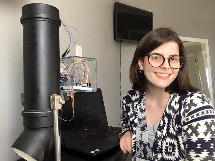 A acadêmica do curso de Engenharia de Computação da UPF, Eduarda Cristina Pissolatto, salienta que as mulheres se destacam e mostram o seu potencial na área de TI (Foto: Arquivo Pessoal)
