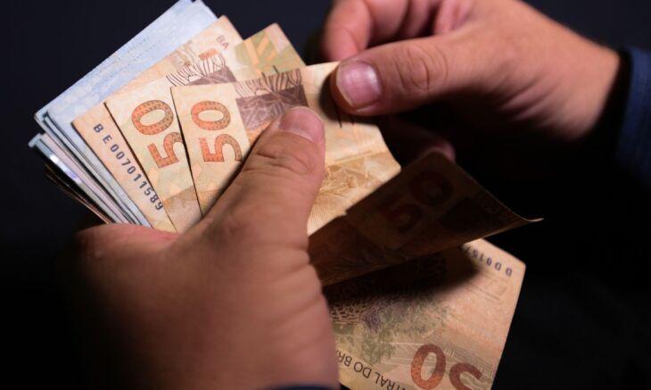 Produtos que pesam na cesta de consumo dos mais pobres tiveram maior aumento (Foto: Marcello Casal Jr/Agência Brasil)