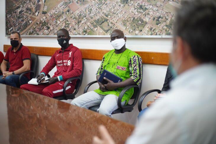 O encontro reuniu imigrantes e entidades, além do Executivo (Foto: Michel Sanderi/Divulgação PMPF)