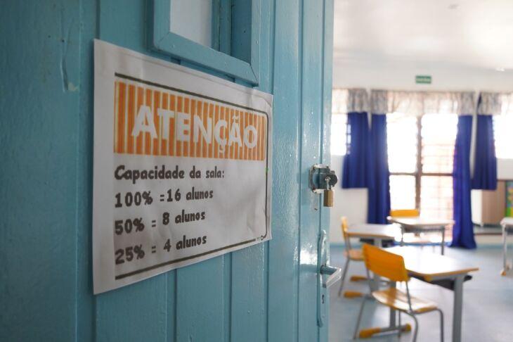 950 alunos terão acesso ao ensino híbrido (Foto: Michel Sanderi/Divulgação PMPF)