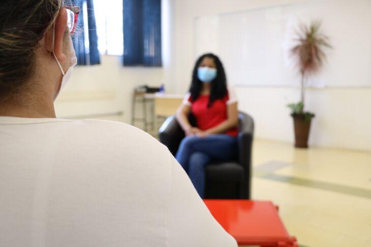 Os trabalhos realizados por psiquiatras e psicólogos são fundamentais para quem enfrenta problemas de saúde mental (Foto: Tainá Binelo)