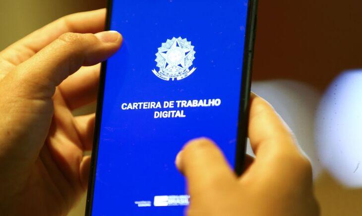 O saldo total de vagas de trabalho ofertadas no período é resultado da contratação de 2.961 carteiras assinadas no último mês (Foto: Divulgação)
