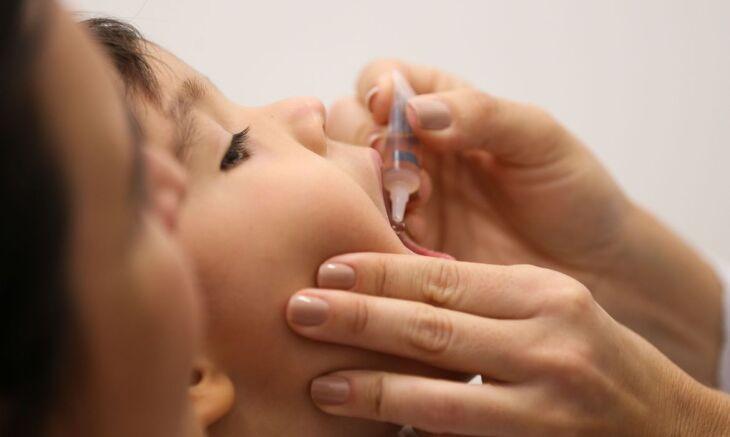 18 tipos de vacinas são disponibilizadas para crianças e adolescentes (Foto: Marcello Casal Jr/Agência Brasil)