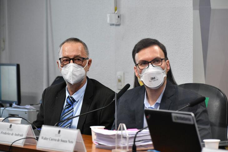 O beneficiário da Prevent Senior, Tadeu Frederico de Andrade e o ex-médico da operadora Walter Correa de Souza Neto prestam depoimento (Foto: Leopoldo Silva/Agência Senado)