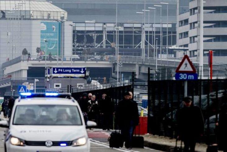 Duas fortes explosões provocaram mortes no aeroporto internacional de Bruxelas, na Bélgica
