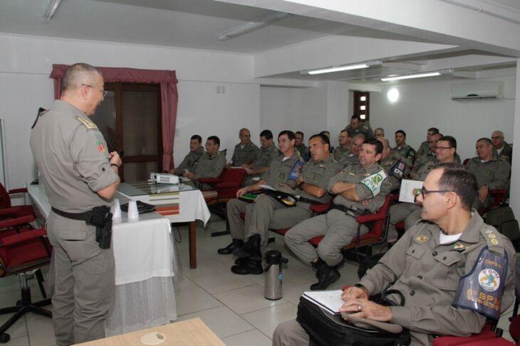 Foram premiados os comandos com melhores resultados no combate ao crime em 2016