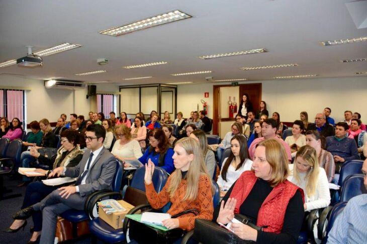 Gestores dos municípios que integram a Regional da Educação de Passo Fundo participaram do encontro