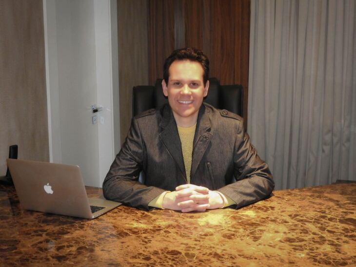 Paulo Lague é médico psiquiatra e atua em Tapejara na Saúde Center Clínica