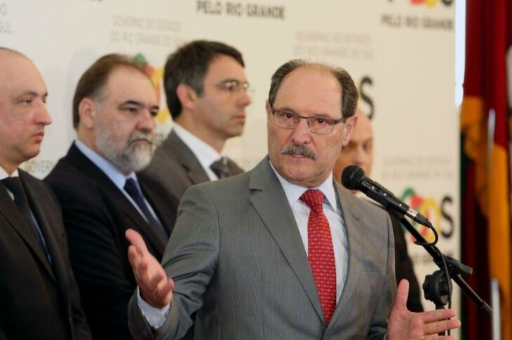 O governador José Ivo Sartori fez um pronunciamento nesta segunda-feira (25) sobre a situação da folha de pagamento do funcionalismo público do Estado