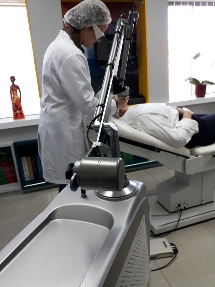 Dra. Juliana Rietjens é médica dermatologista na Saúde Center Clínica de Tapejara