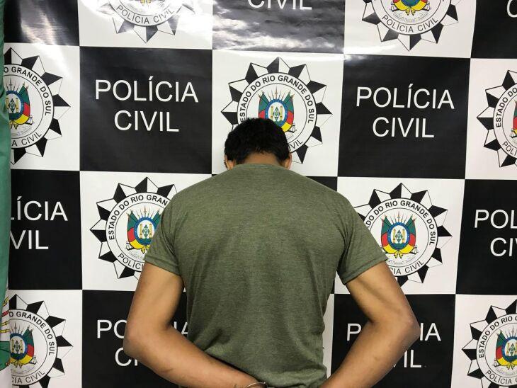 Contra o foragido também havia mandado de prisão por roubo de veículo