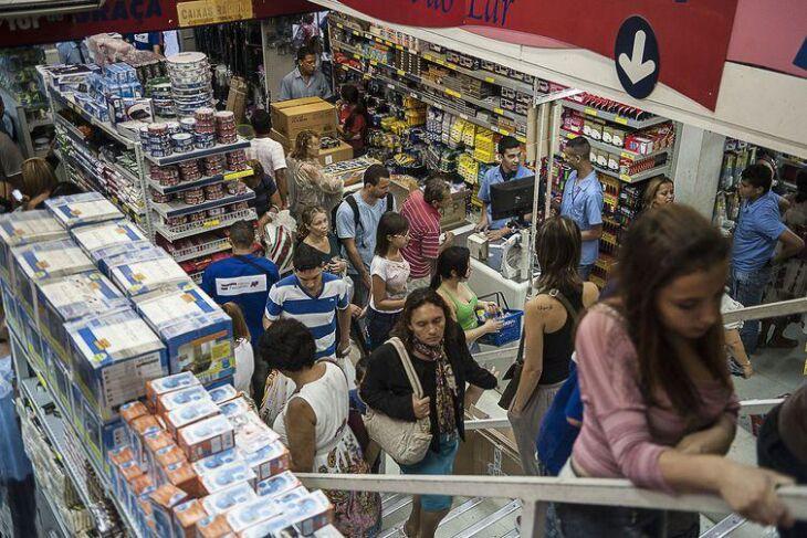 Redução da inflação beneficia o consumo