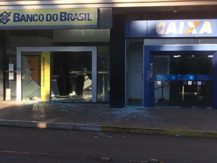 Explosão em Casca atingiu duas agências nesta madrugada