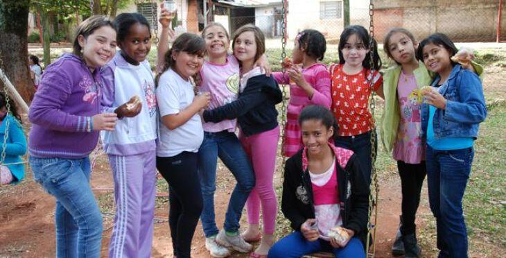 Cerca de 100 meninas são assistidas pelo Lar da Menina