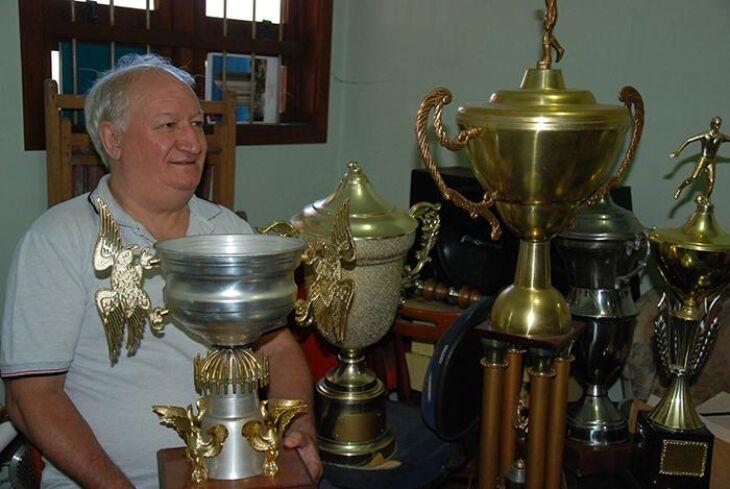 Troféus para serem restaurados