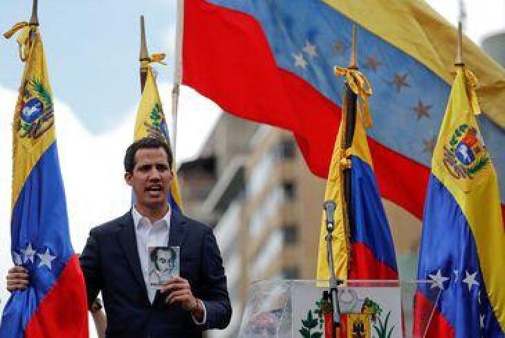 Juan Guaidó, presidente da Assembleia Nacional da Venezuela, declarou-se presidente interino do país