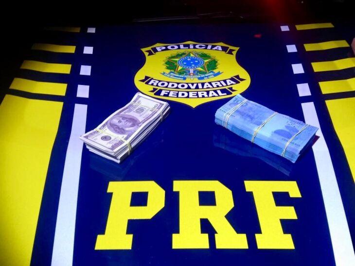 Dinheiro falso aprendido pela PRF