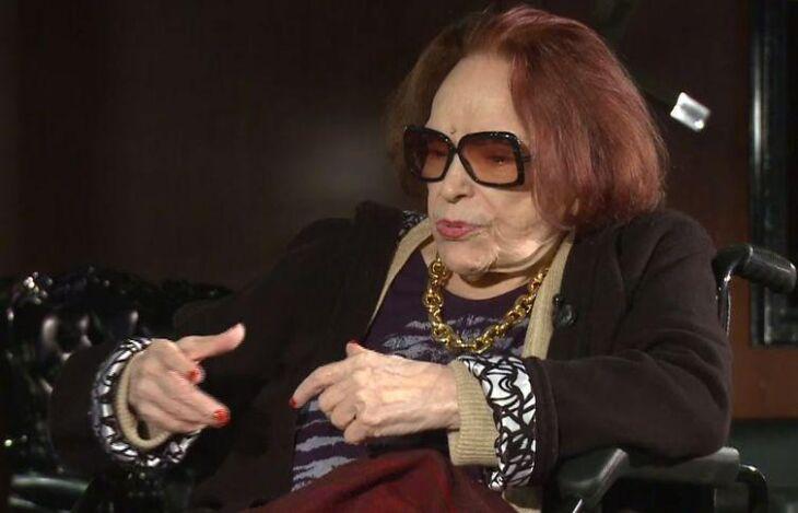 A atriz, cantora e diretora Bibi Ferreira, em entrevista à TV Brasil