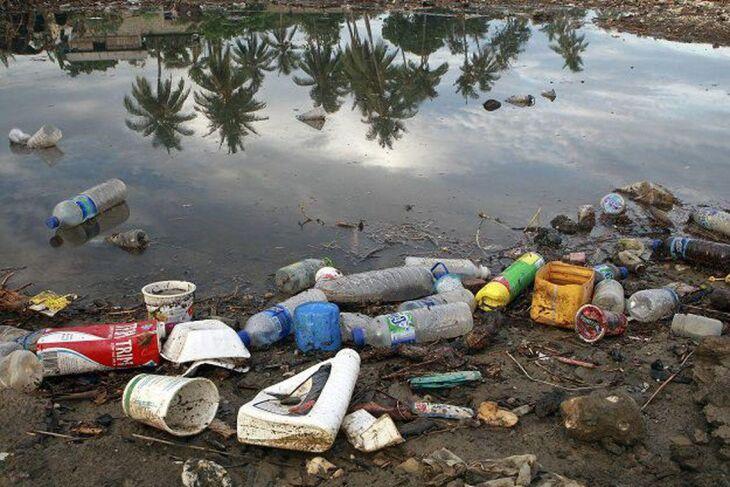 No Brasil, se produz 11.355.220 toneladas e apenas 1,28% de reciclagem