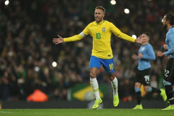 Neymar: vitorioso nos clubes e nome indispensável na seleção