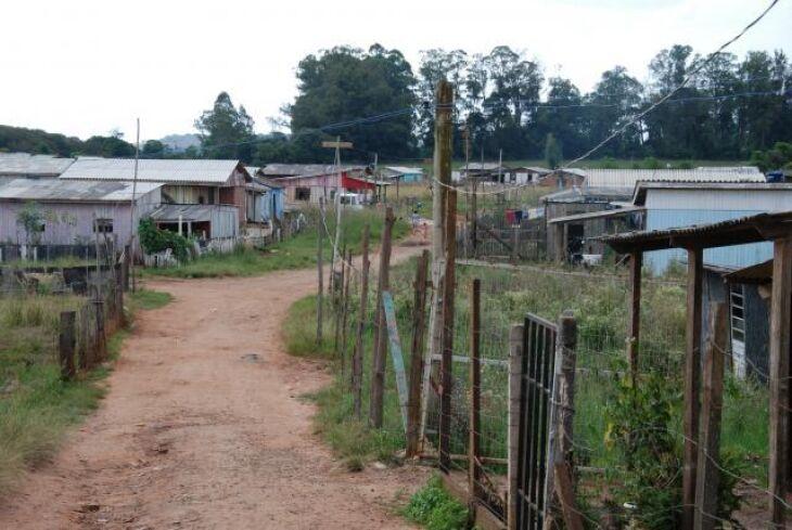 Na ocupação quatro, moradores alegam enfrentar problemas com água e energia elétrica