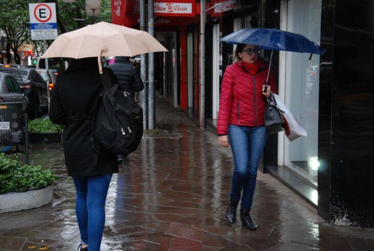A chuva deve passar rapidamente pelo município