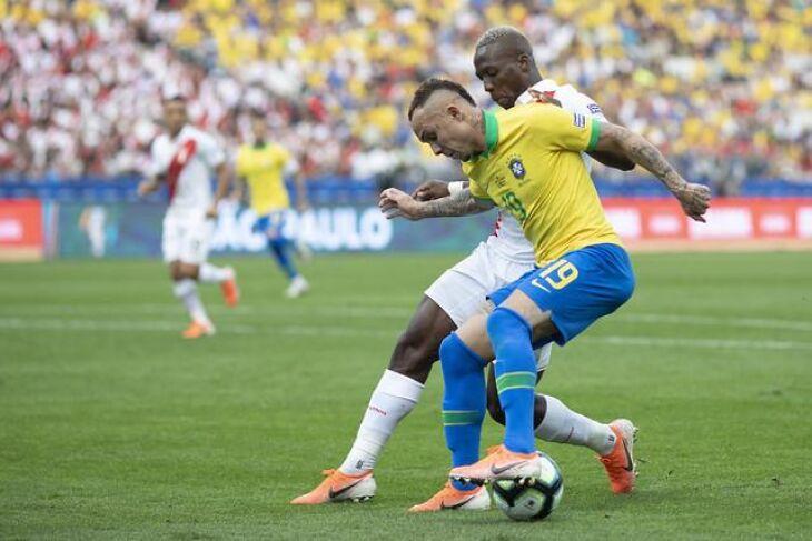 Fase de grupos: vitória brasileira