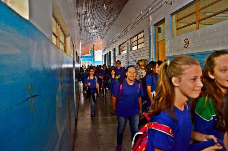 Educandário recebe cerca de 450 estudantes para a formação inicial