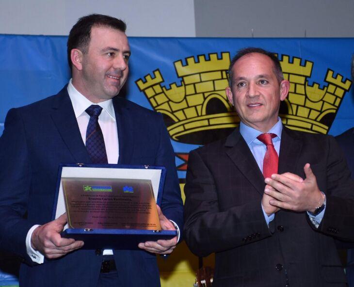 Prefeito entregou distinção ao empresário Erasmo Battistella