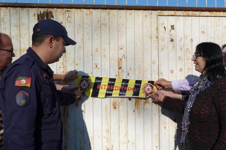 Bombeiros realizaram uma nova vistoria no espaço durante a tarde de terça-feira