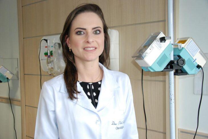 Dra. Nicoli Henn é médica oncologista e atua no Centro de Oncologia e Hematologia do HC.