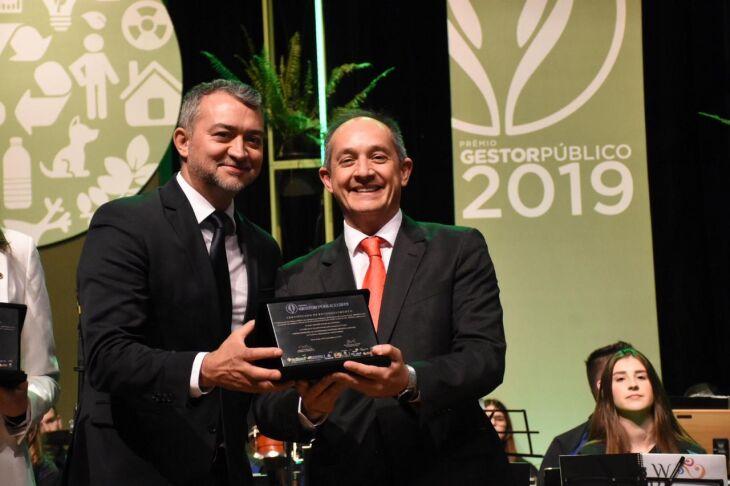 Prefeito Luciano Azevedo recebeu a premiação pelo sexto ano consecutivo
