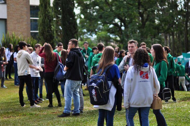 Candidatos disputam vaga em um dos cursos de graduação oferecidos pela Instituição em sete áreas do conhecimento
