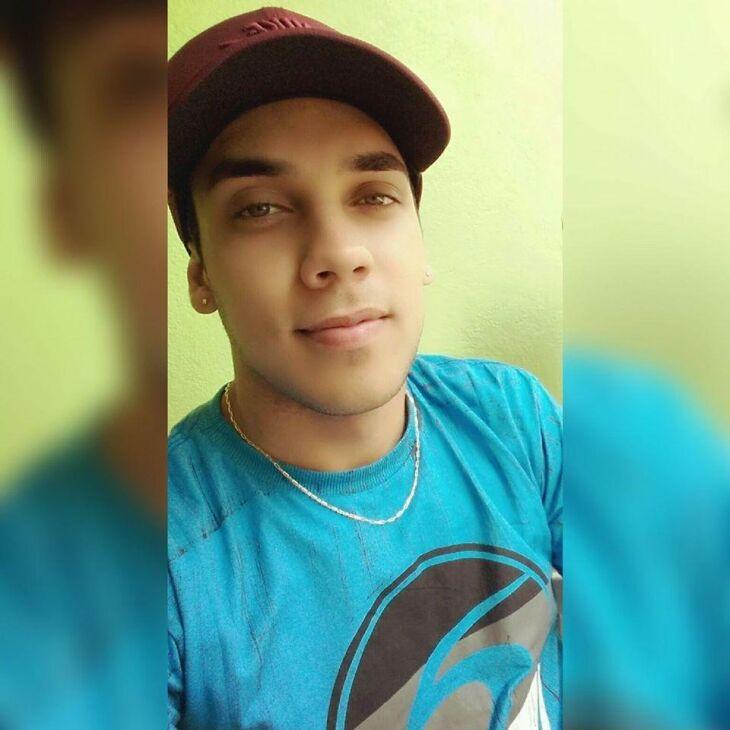 Rodrigo de Mello Cavalheiro tinha 23 anos e deixou esposa e filho