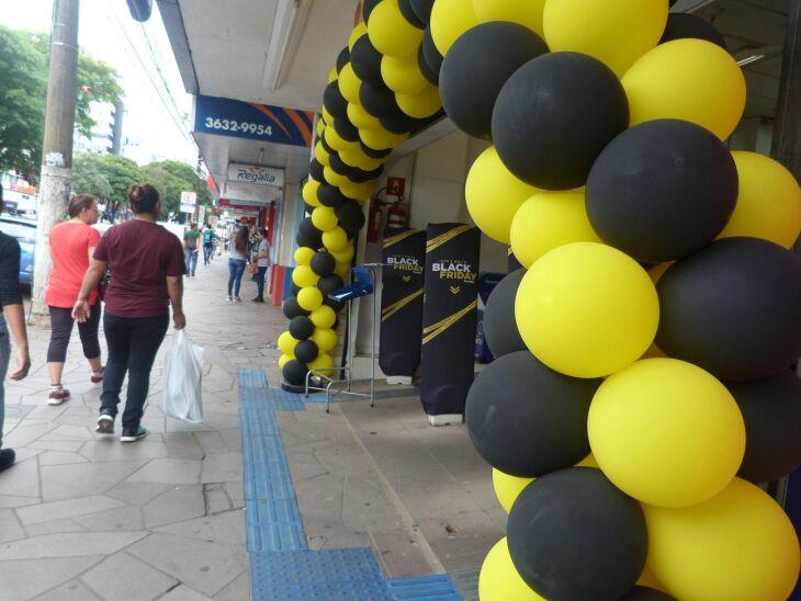 Lojas investiram na decoração para atrair os consumidores nesta sexta-feira