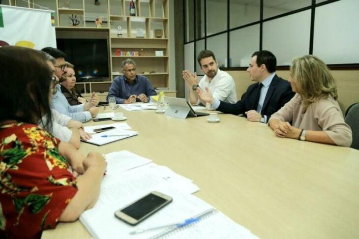 Governador se reuniu ontem com o Secretário da Educação