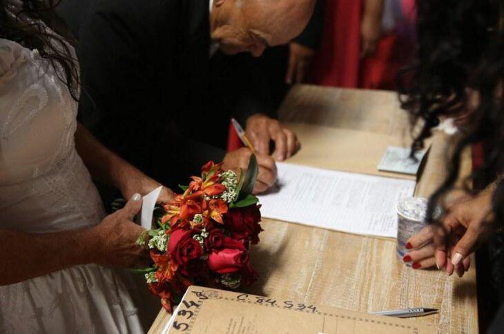 Casamentos que terminam em divórcio duram em média 14 anos no país